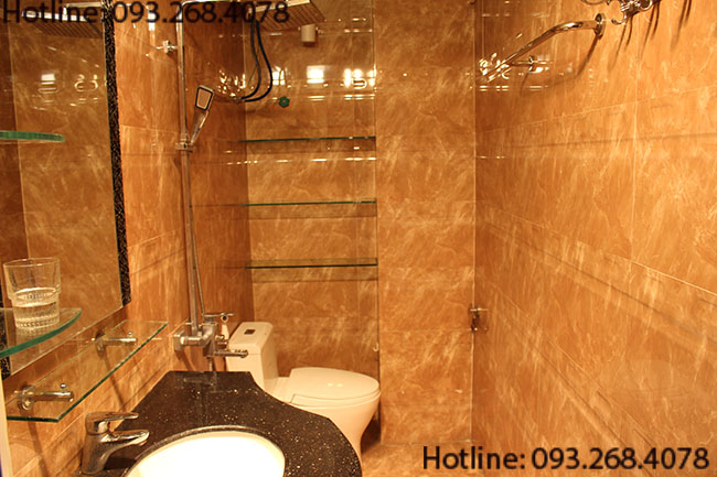 Bán khách sạn Mini 7 Tầng có thang máy đường Ngô Gia Tự giá 4,5 tỷ tặng nội thất 300Tr
